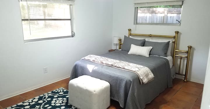 Comfy Bedroom and Bathroom at UF - Pets Welcome!