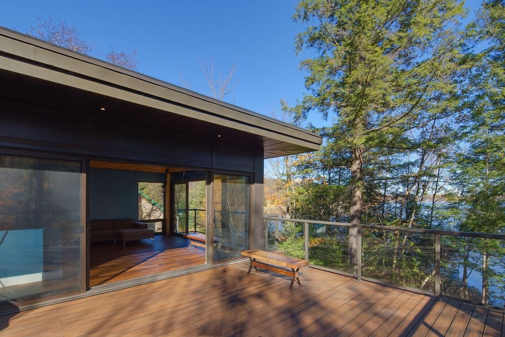 Large upper deck with stunning lake views...