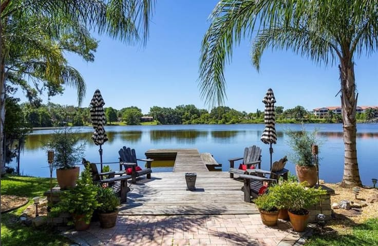 Winter Park Lakefront Home Built For Relaxation