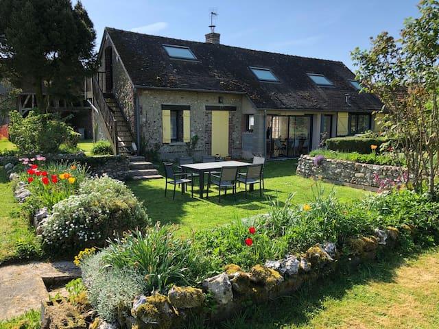 Charmante maison normande avec un grand jardin
