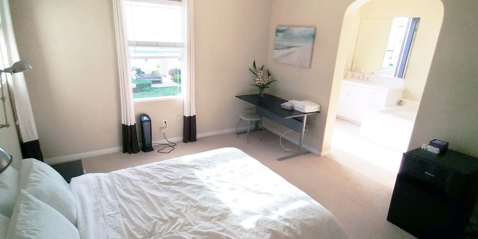 Close to Disney/Knotts - Master with private bath