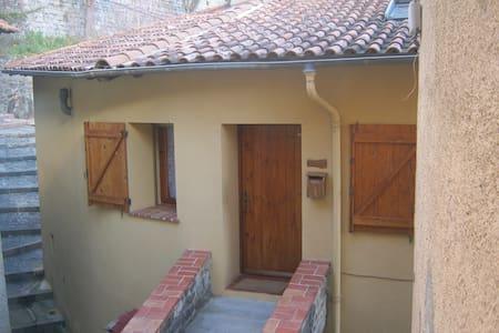 Studio entrée parc du mercantour Moulinet