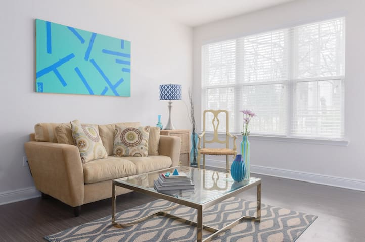 LUXURY CONDO IN THE HEART OF DURHAM BY DUKE - Durham - Wohnung