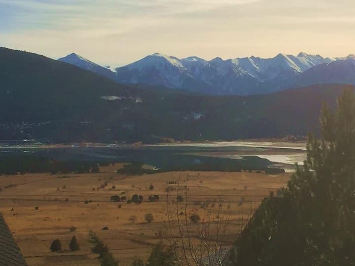 Splendid view, near center and resort