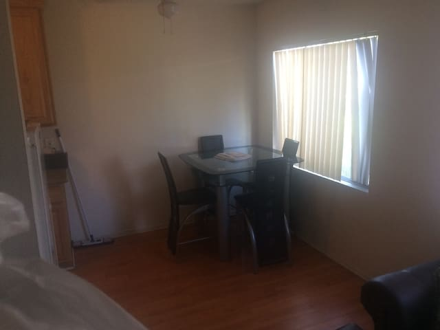 Chill place 5 miles from Hollywood - Los Angeles - Appartement