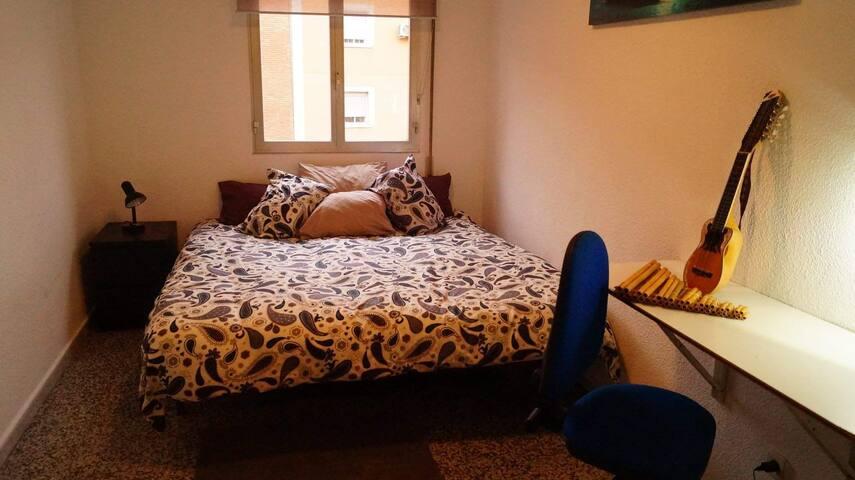 King size bed a 15 min del centro.