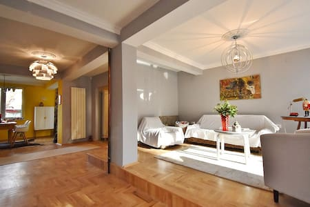 Park Estate Bankia - Suite and Penthouse