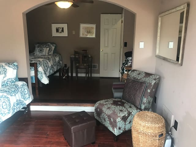 Yoga Studio with 2 deluxe daybeds & spa bathroom