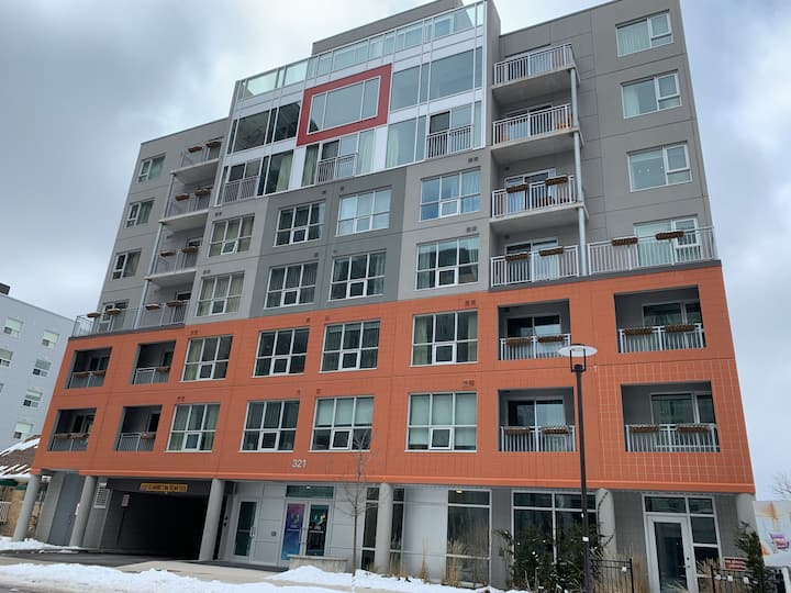 2bedroom Condo — Near Universities - 321 Spruce st
