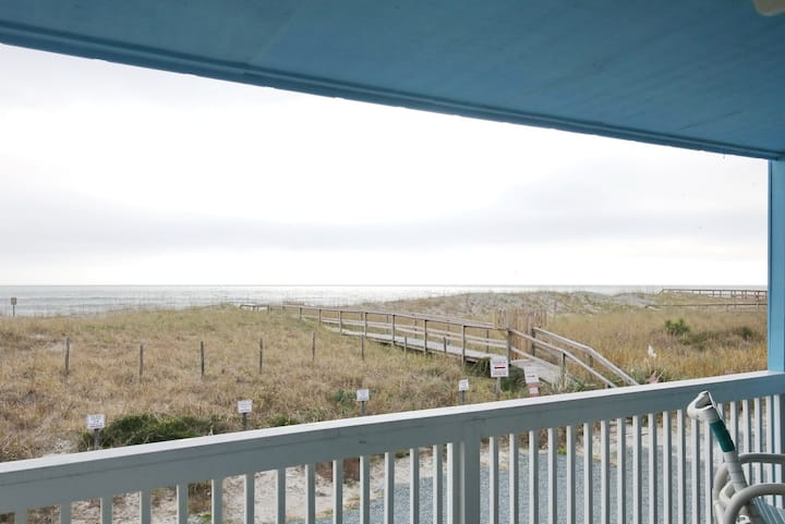 Oceanfront- Close to boardwalk & Pet Friendly
