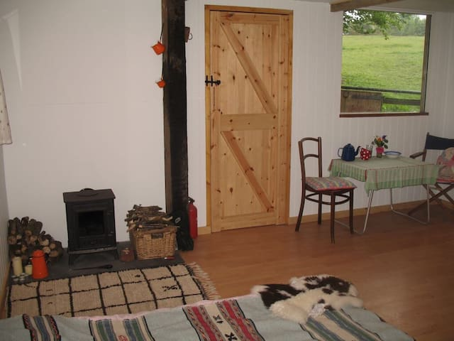 Rustic 2bd cabin on horse ranch - Buckfastleigh