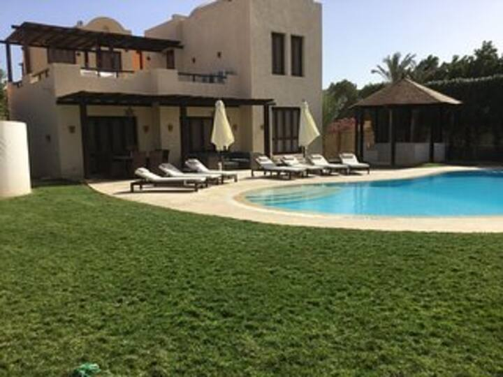 Extremely Private Villa with Optional Pool Heating