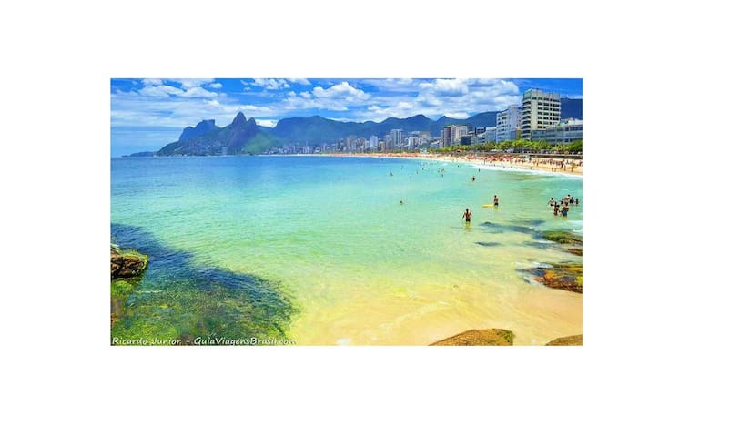 Arpoador vizinho praias Copacabana Ipanema RJ