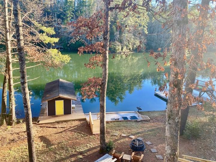Welcome to the Pine Lodge at Lake Cherokee!