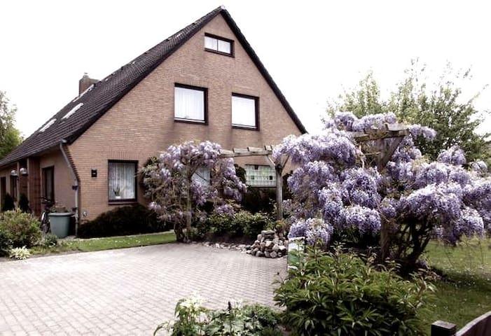 Große Ferienwohnung im Herzen Eiderstedts