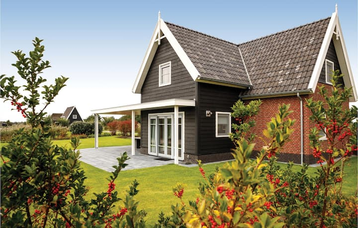 Holiday cottage with 3 bedrooms on 160m² in Giethoorn