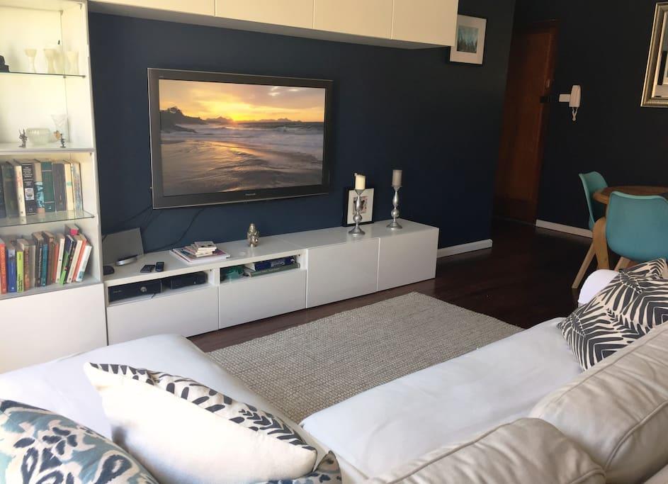Cosy Loungeroom Area
