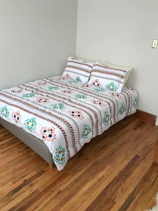 Queen bed BRM1