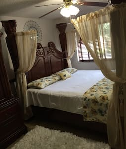 Charming Master Bedroom with a Pool - Coral Springs - Condominium