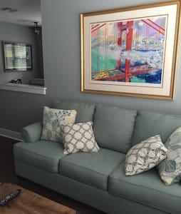Cozy Carriage House - Lägenhet