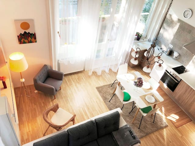 Heroes' Square- exclusive villa apt. -big TERRACE