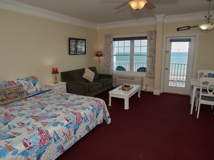 ATLANTIC BREEZE SUITES - OCEANFRONT KING STUDIO