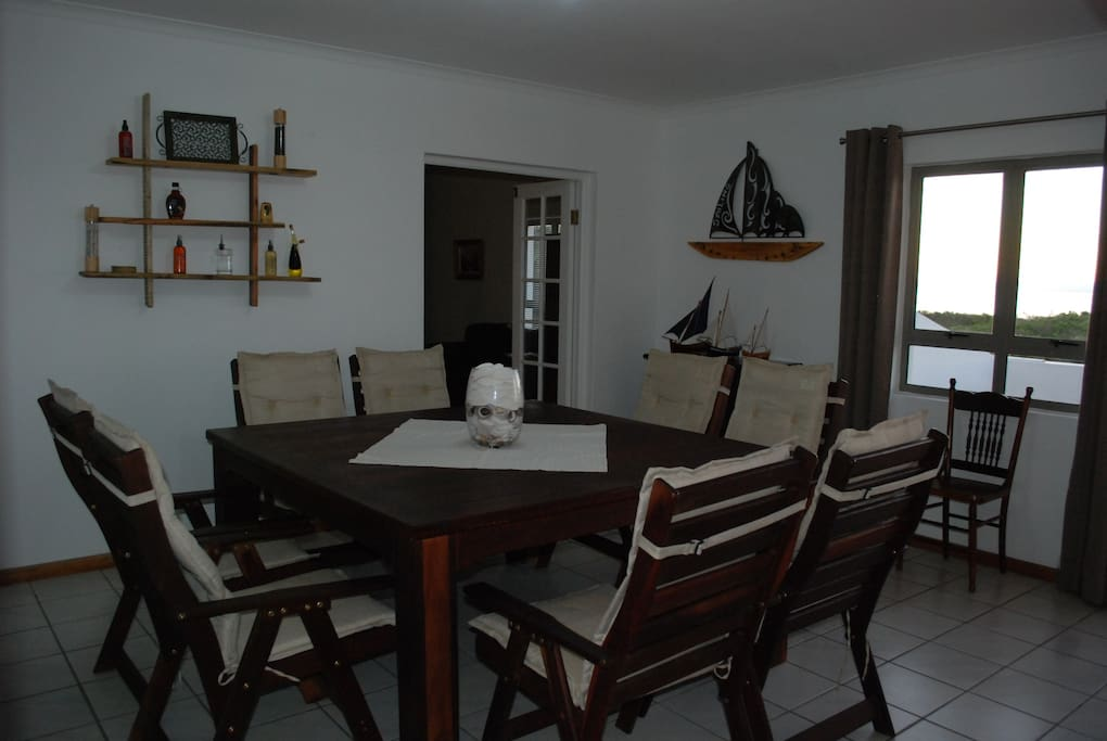 Dining Room (with view on beach)