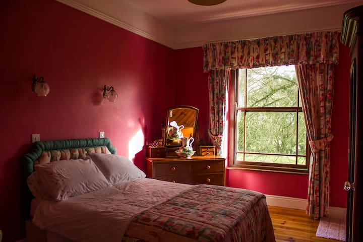 19th Century Country House +Breakfast - Innishannon - Ev