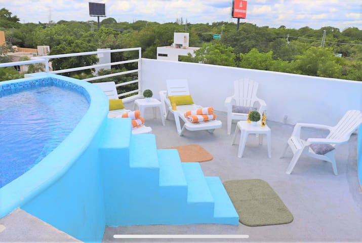 Beautiful House With Rooftop Pool