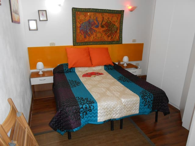 "LARA HOME . B&B .  ""APPARTAMENTOX2"" - Castelletto sopra Ticino - Bed & Breakfast"