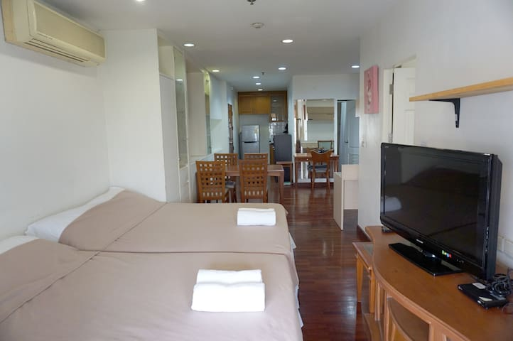 11th Fl. 3BR, The Best Location,Cheap price,Clean