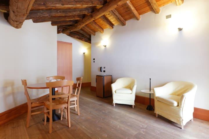 Affitto luminosa mansarda ai piedi del Monte Rosa - Staffal - Apartment