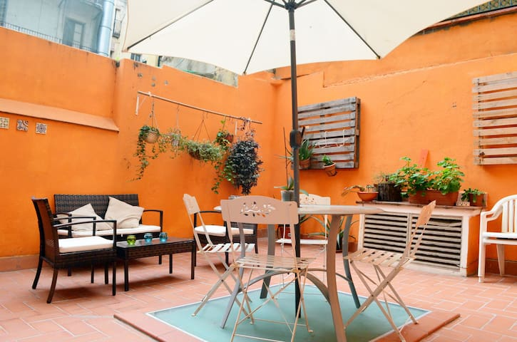 Sunny Room for 2 ,Plaza Catalunya