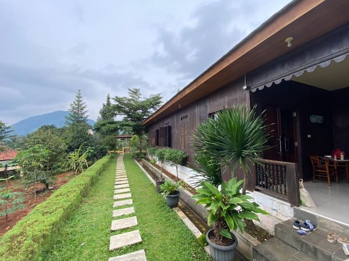 Villa Dangku Sentul (3 Bedrooms + 3 Bathrooms)