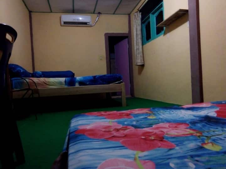 Kwalitas Nias Surf Camp (Ac room)
