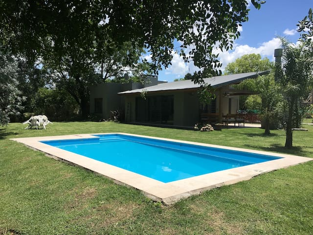 Charming Country House close to Buenos Aires