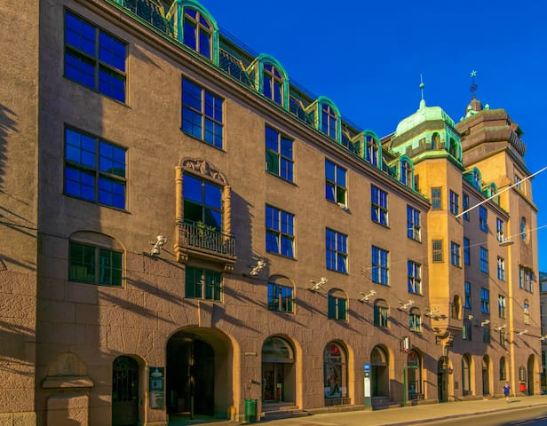 Super central studio apartment in famous Posthallen building, perfect alternative to a hotel.