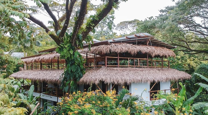 Private Eco lodge in Playa Hermosa