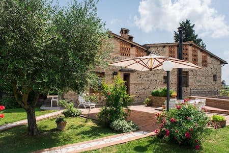 Amazing Countryside Villa at Siena's doorstep