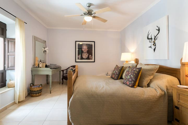 Room 4, Double Room, Breakfast Included