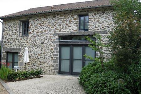 'Beaux Brunies' bel appartement de charme - Champs-Romain