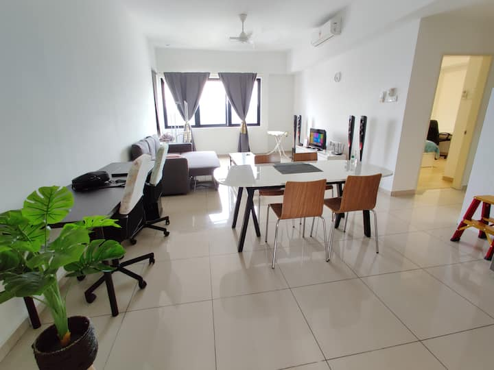 2BR Luxury Homestay in a Low Density Condominium