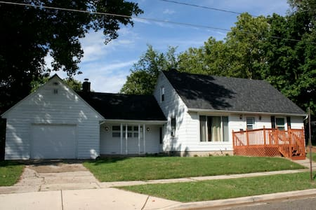 Charming one bedroom apartment, close to downtown - Grand Rapids - Casa