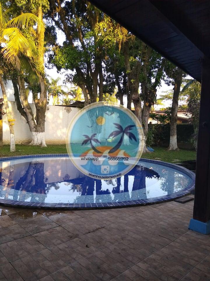 Casa com piscina na praia da enseada Guarujá
