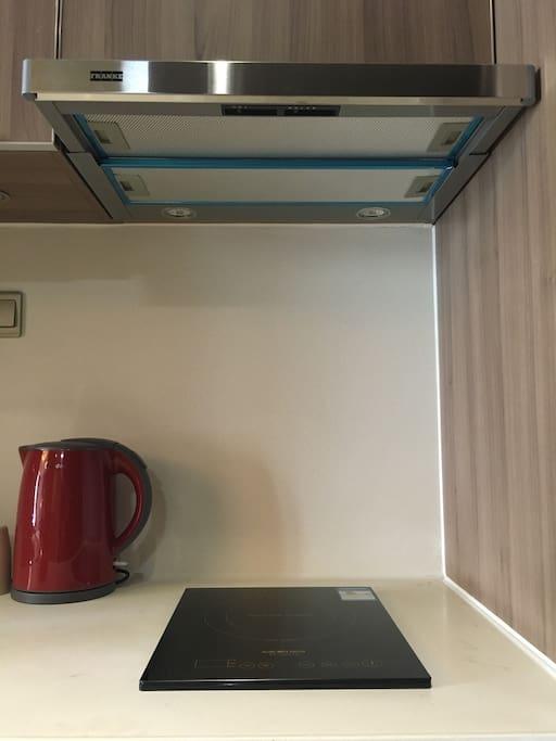 美的电水壶,帅康电磁炉,弗兰克油烟机