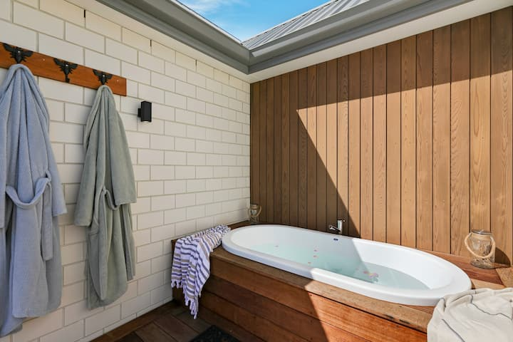 MOUNTAIN THYME STUDIO  - outdoor bath & that view!