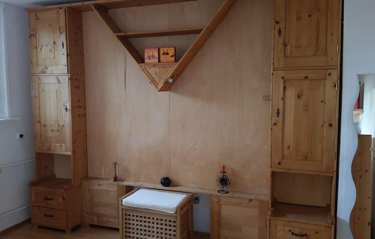 Comfy room near the centre of Mrb.