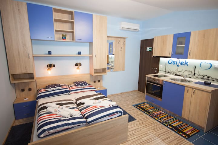 "Design apartment ""Blue"" - city center"