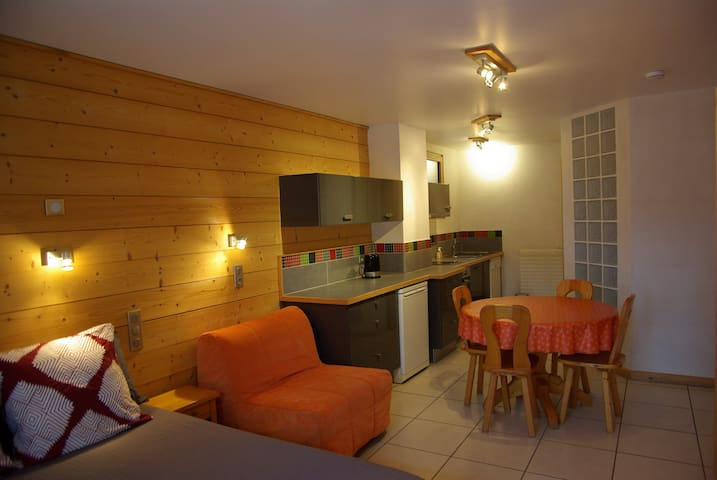 Studio Pléney,  Morzine center, 2 - 3 pers