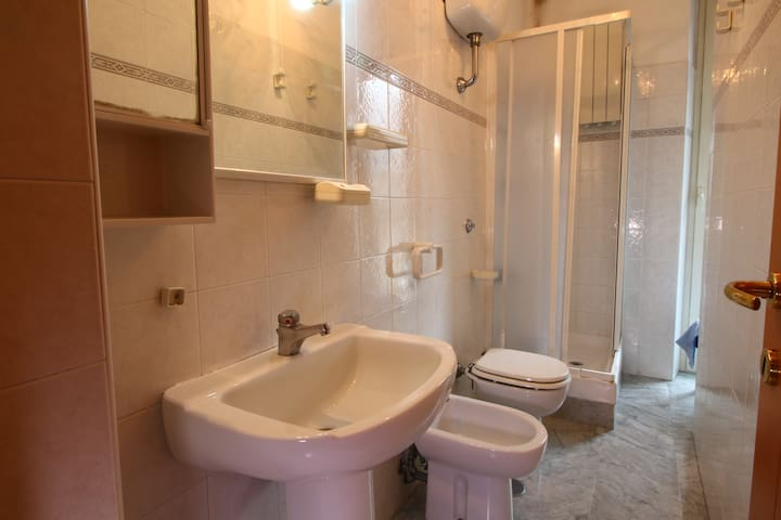 San Giovanni, room for 2 people - Rome - Appartement